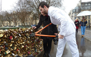 love_locks_3199884b